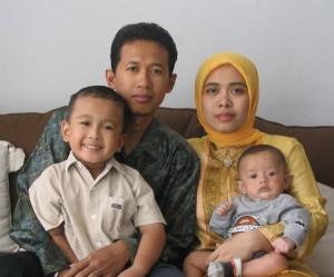 Keluarga Wahyu (2004)