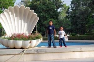 Faiq & Fathan at Doha Zoo central water fountain