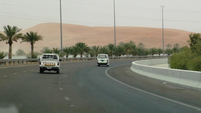 Road E22 from Abu Dhabi to Al Ain, Dubai