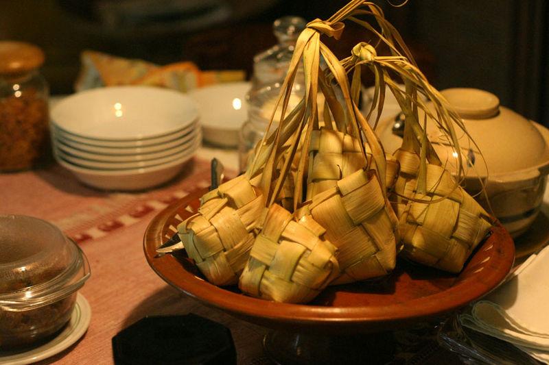 Ketupat (Source: Wikipedia)