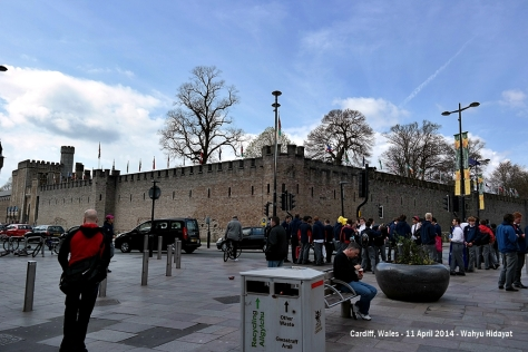 Cardiff Castle from Queen Street
